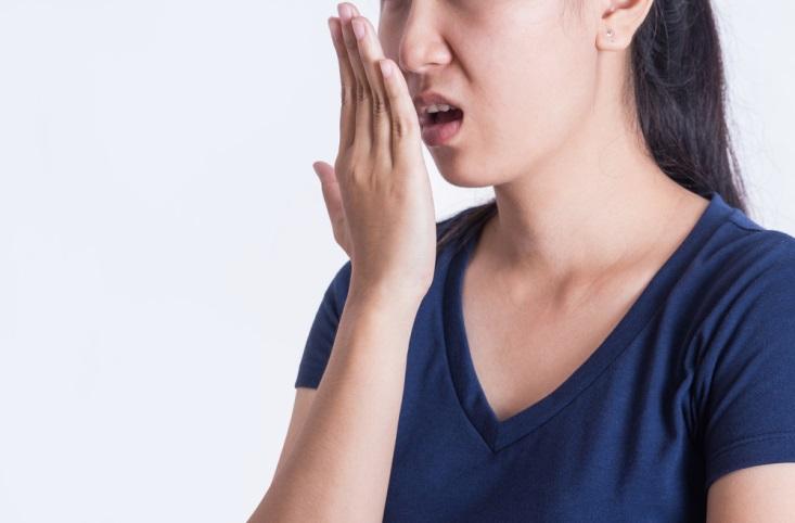 3 Hal yang Berpotensi Menjadi Penyebab Bau Mulut Saat Puasa