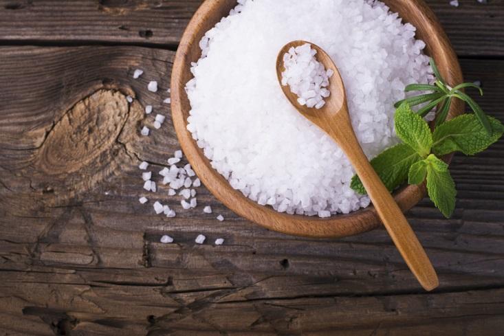 Tips Menghilangkan Bau Mulut dengan Garam Laut